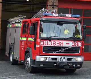classic car blaze involves fire brigade being called out